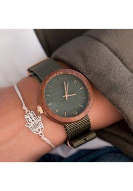 Červeno-biele drevené hodinky s textilným remienkom pre dámy