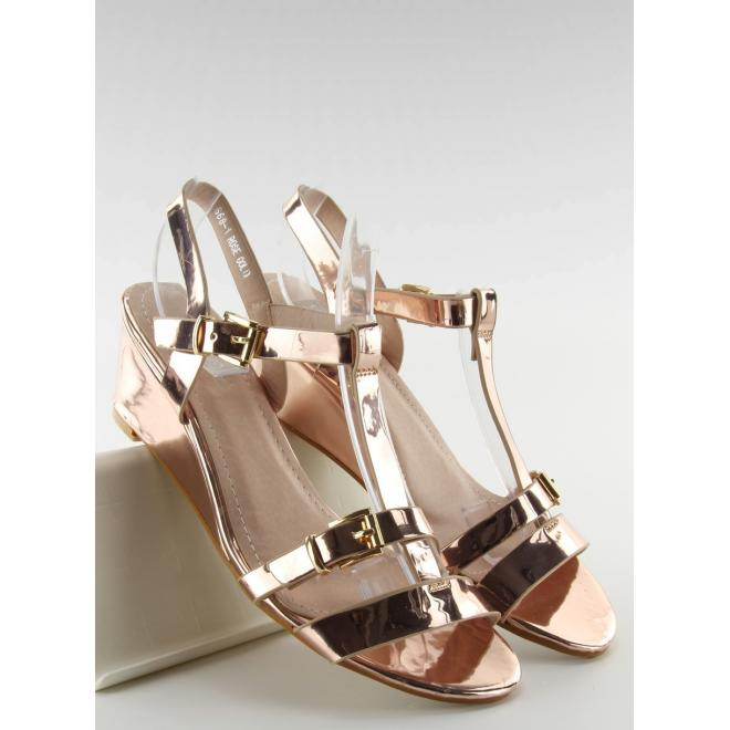 Ružovo-zlaté metalické sandále na platforme pre dámy - skvelamoda.sk 8a8554f6689