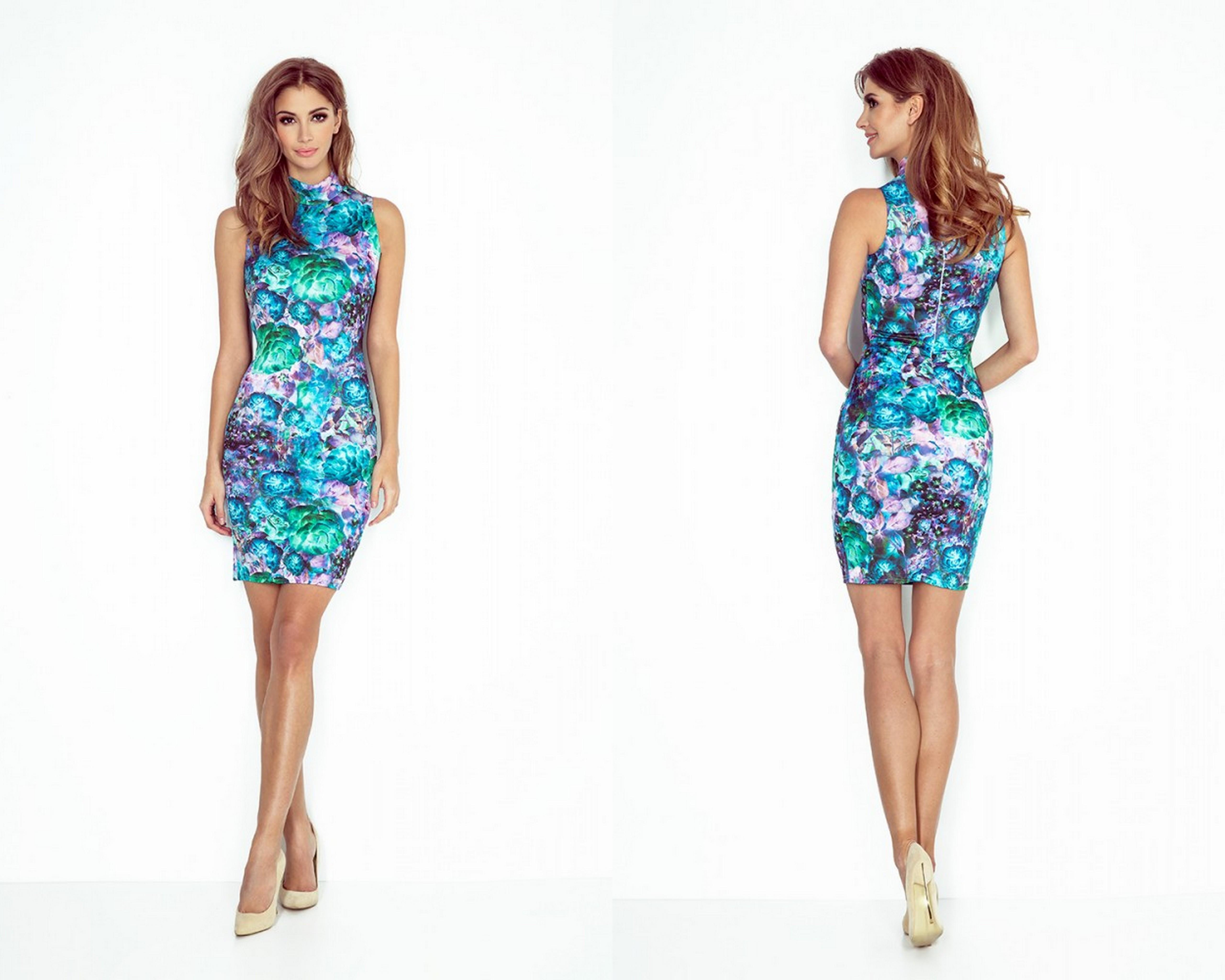 Elegantné šaty s kvetmi – elegantné šaty s motívom kvetov a malým rolákom.  Ideálne na večerné prechádzky alebo letné párty. e17d21dfe73