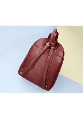 Módny dámsky ruksak hnedej farby z ekokože