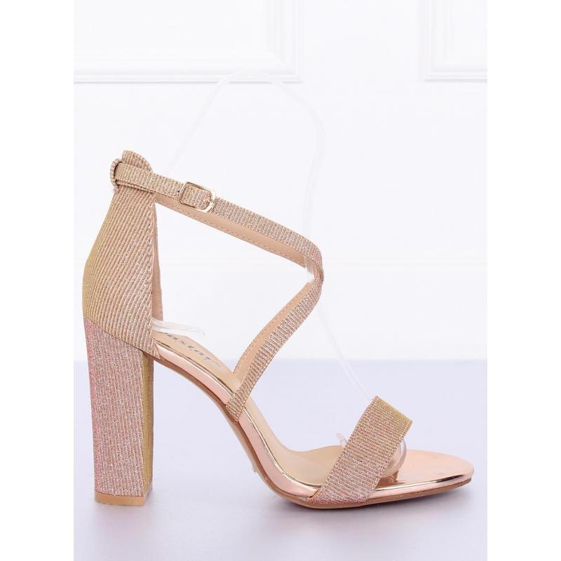 17ad0c3ddba6 Trblietavé dámske sandále ružovej farby na podpätku - skvelamoda.sk
