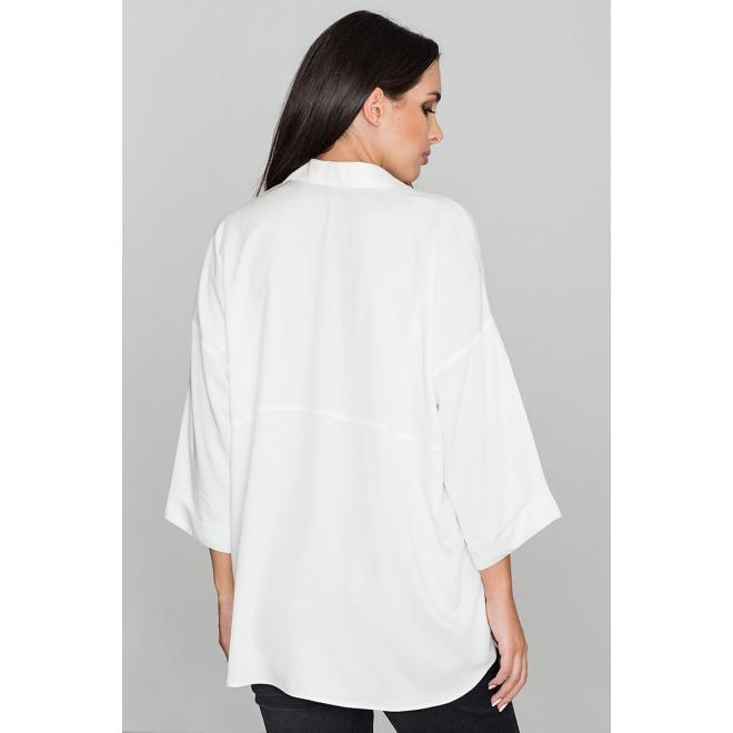 63935fd082d4 Oversize dámska košeľa bielej farby s kimono rukávmi v akcii ...