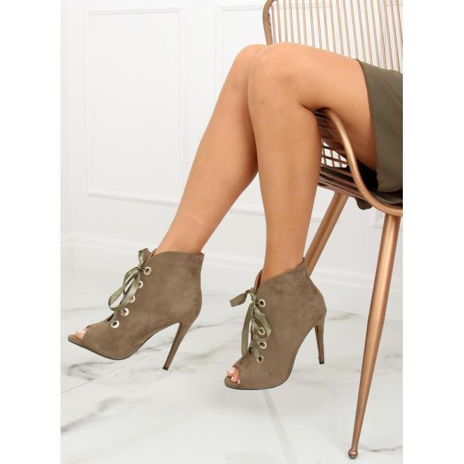 6ddba26026 Semišové dámske topánky čiernej farby na podpätku s otvorenou špičkou ...