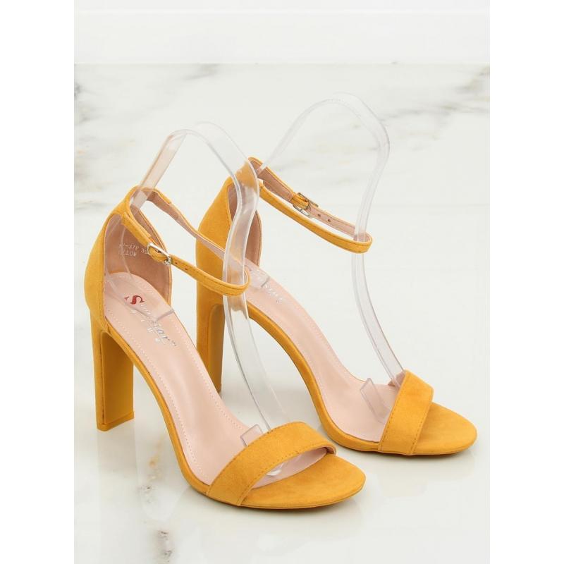 80216ed75 Dámske semišové sandále na stabilnom podpätku v žltej farbe. Čierne semišové  sandále na stabilnom podpätku pre dámy