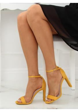4ff536011 ... Čierne semišové sandále na stabilnom podpätku pre dámy