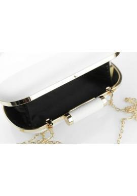 Dámska elegantná kabelka s ozdobou v striebornej farbe