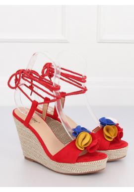 4c8a18b9c8d0 Dámske semišové sandále na platforme s farebnou ozdobou v béžovej farbe ...