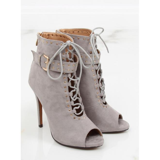 904e8575937d8 ... Dámske ažúrové topánky na podpätku s otvorenou špičkou v čiernej farbe  ...