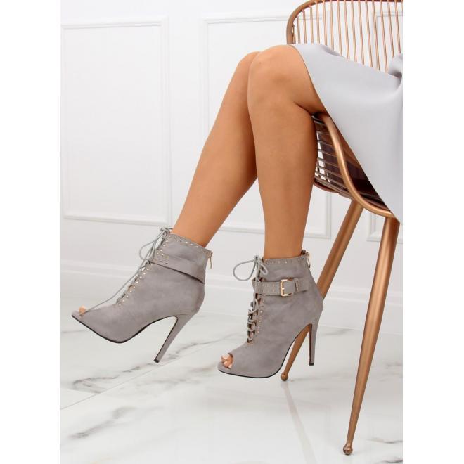 2791f53fb7c07 Dámske ažúrové topánky na podpätku s otvorenou špičkou v čiernej farbe ...