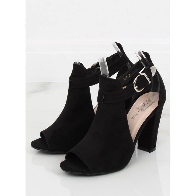 1f7fd26daed17 ... Béžové štýlové topánky na podpätku s motívom hadej kože pre dámy ...
