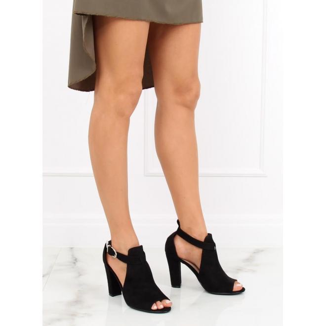 bcf42b6af1442 Čierne semišové topánky na stabilnom podpätku pre dámy - skvelamoda.sk