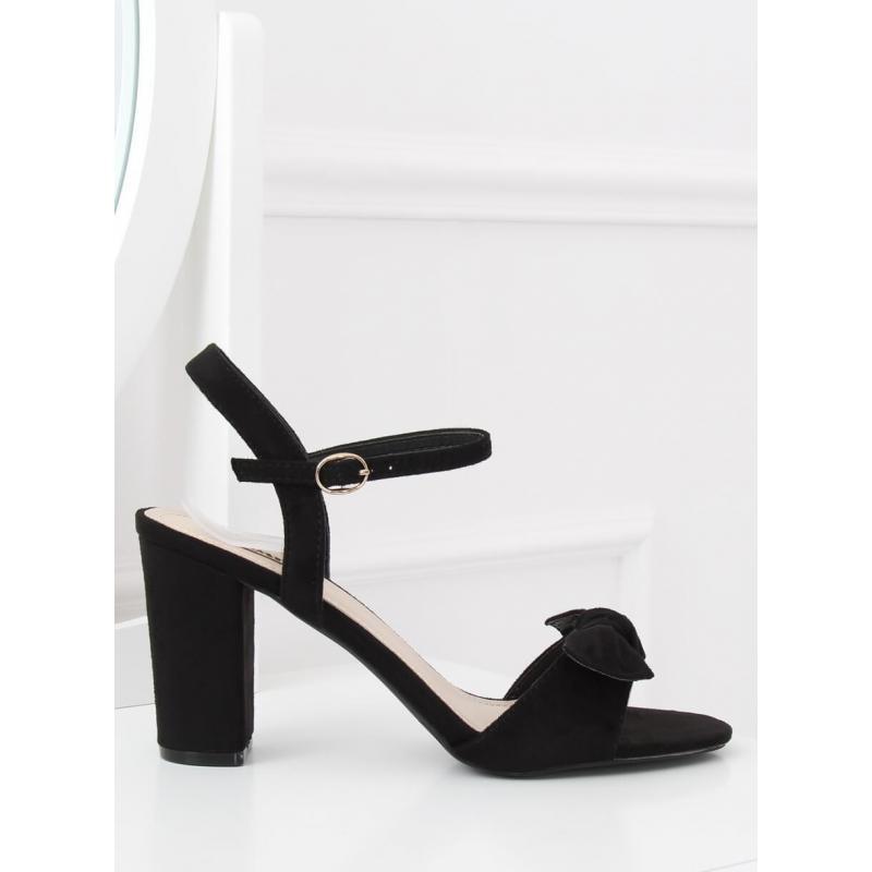e32bc1460970 Čierne semišové sandále na podpätku s mašľou pre dámy - skvelamoda.sk