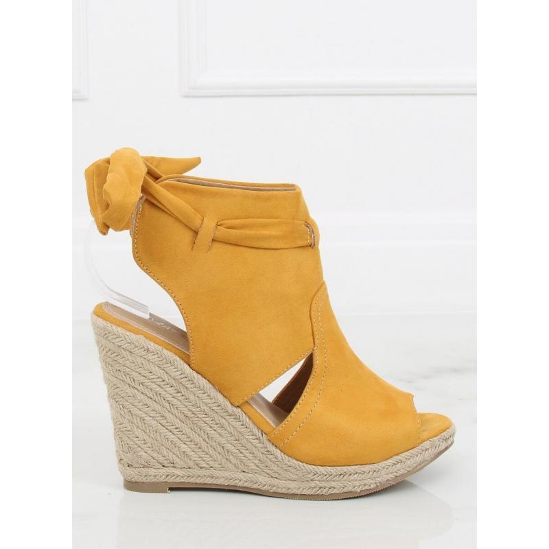 a4d557728 Dámske semišové sandále na pletenej platforme v zelenej farbe