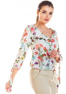 Kvetovaná dámska blúzka bielej farby s viazanými rukávmi