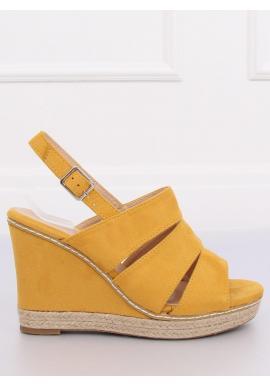 f307aad8d4230 Dámske semišové sandále na platforme v čiernej farbe ...