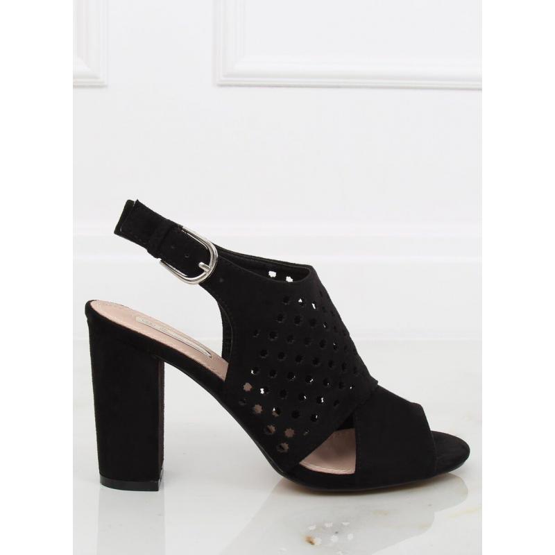 bb6a20f7ea08 Čierne ažúrové sandále na širokom opätku pre dámy - skvelamoda.sk