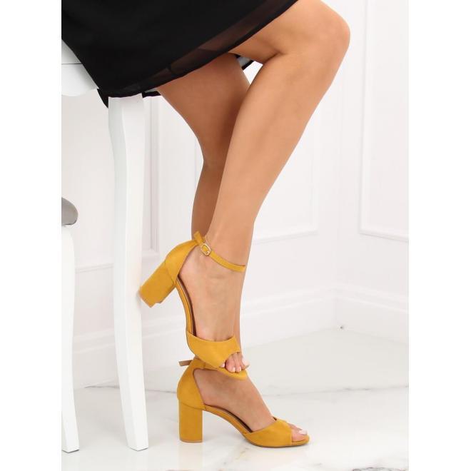 4bd1f39f4 Semišové dámske sandále žltej farby na stabilnom opätku - skvelamoda.sk