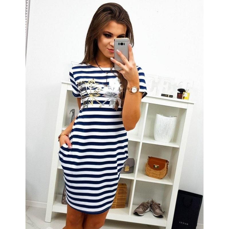 5ec14ff4feb4 Dámske pásikavé šaty s potlačou v bielo-modrej farbe - skvelamoda.sk
