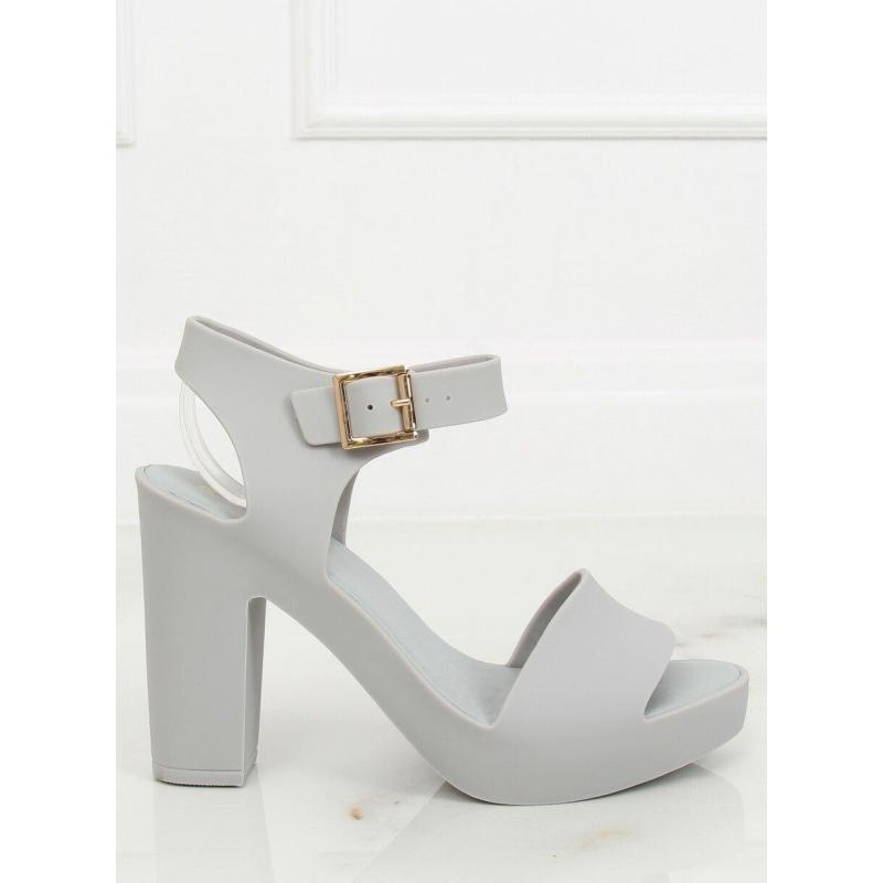1cd29d72e35e Dámske gumené sandále na podpätku v sivej farbe. Béžové gumené sandále na  podpätku pre dámy