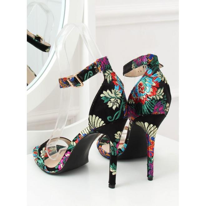 8b93368171c9 Dámske orientálne sandále na podpätku s výšivkou v čiernej farbe ...