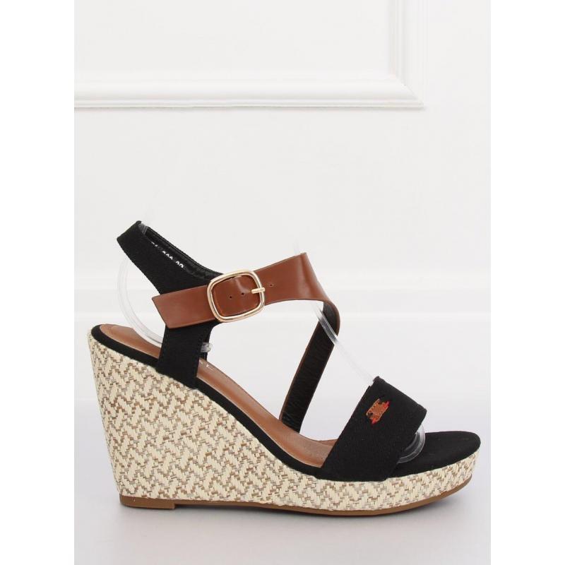 ed1db62377e5 Dámske semišové sandále na stabilnom opätku v čiernej farbe. Loading zoom.  Predchádzajúci