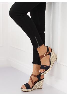 d6110c71f ... Dámske módne sandále na pletenej platforme v čiernej farbe