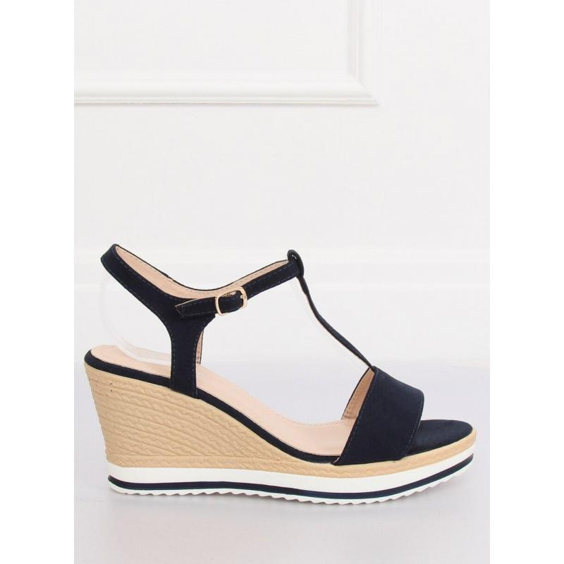 8fc46bfae471 Dámske semišové sandále na platforme v tmavomodrej farbe. Čierne semišové  sandále na platforme pre dámy