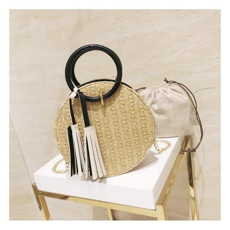 4f98cac032 Dámska módna kabelka s drevenými úchytmi v hnedej farbe. Loading zoom.  Predchádzajúci