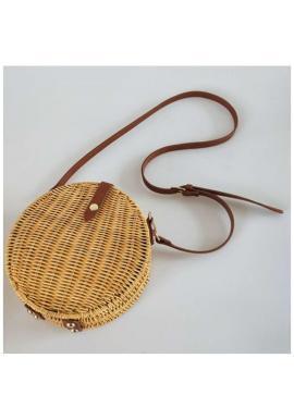 Okrúhla dámska kabelka v hnedej farbe