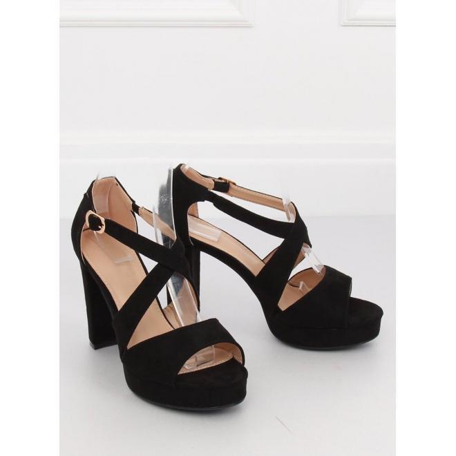 03ef815d493ce Semišové dámske sandále čiernej farby na stabilnom opätku ...