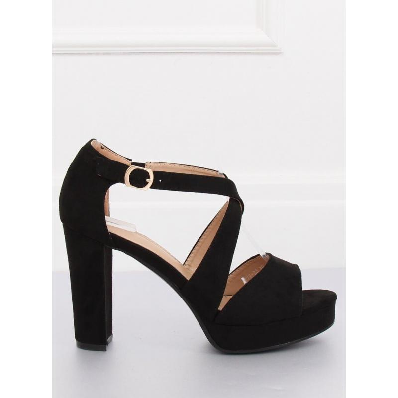 ac7906108735 Semišové dámske sandále čiernej farby na stabilnom opätku ...