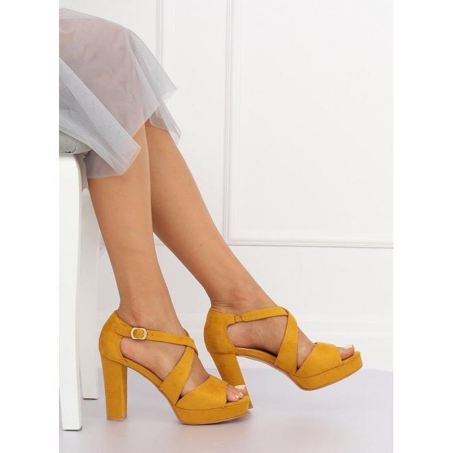 ff2c455c8 Žlté semišové sandále na stabilnom opätku pre dámy - skvelamoda.sk