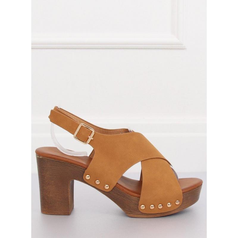 a78b497d6c Pohodlné dámske sandále hnedej farby na stabilnom opätku - skvelamoda.sk