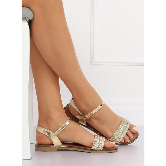 Lakované dámske sandále čiernej farby