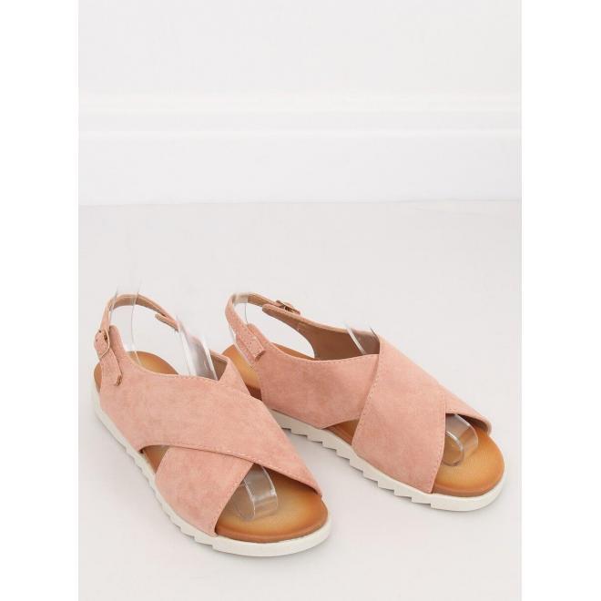 Semišové dámske sandále čiernej farby na zúbkovanej podrážke