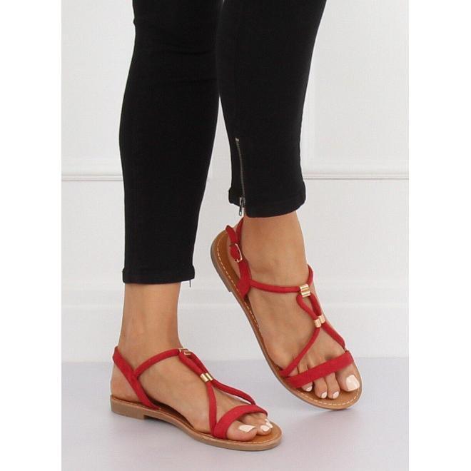 Dámske semišové sandále s kovovými detailami v čiernej farbe
