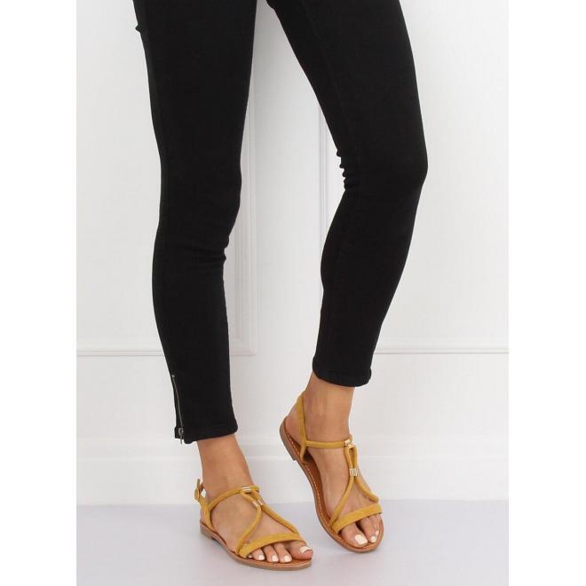 Semišové dámske sandále tmavomodrej farby s kovovými detailami
