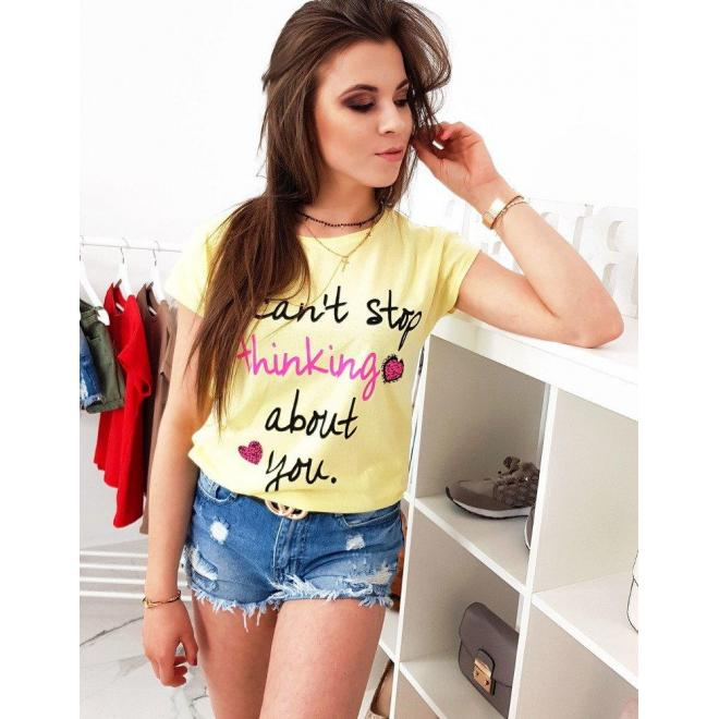 Dámske módne tričko s potlačou v svetlosivej farbe