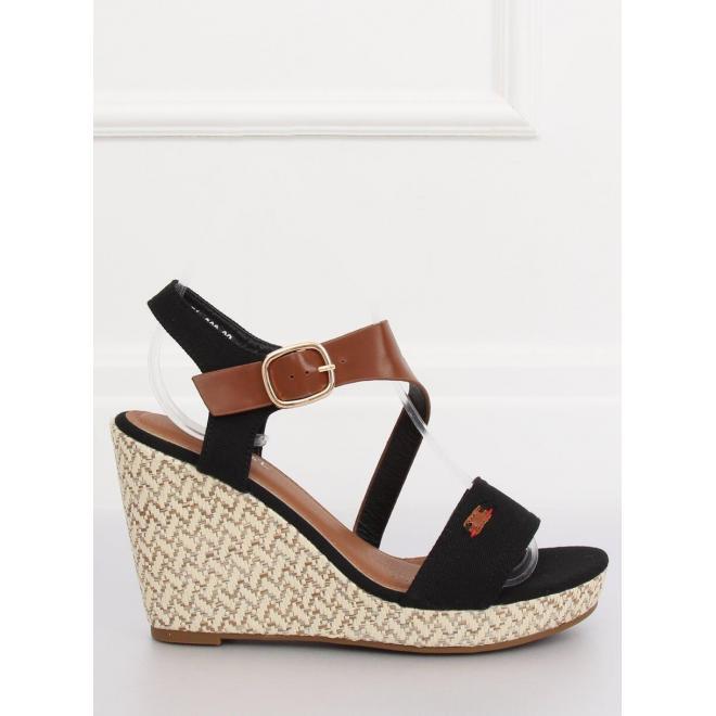 Dámske semišové sandále na stabilnom opätku v čiernej farbe