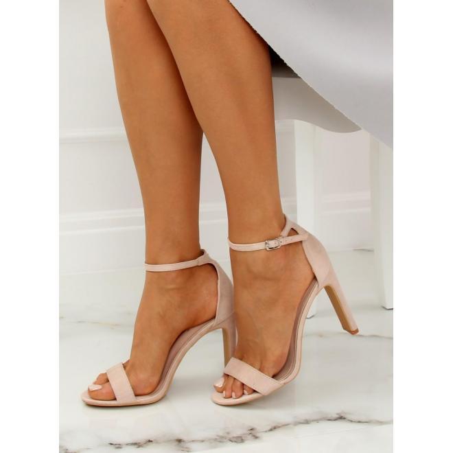 Semišové dámske sandále sivej farby na stabilnom podpätku