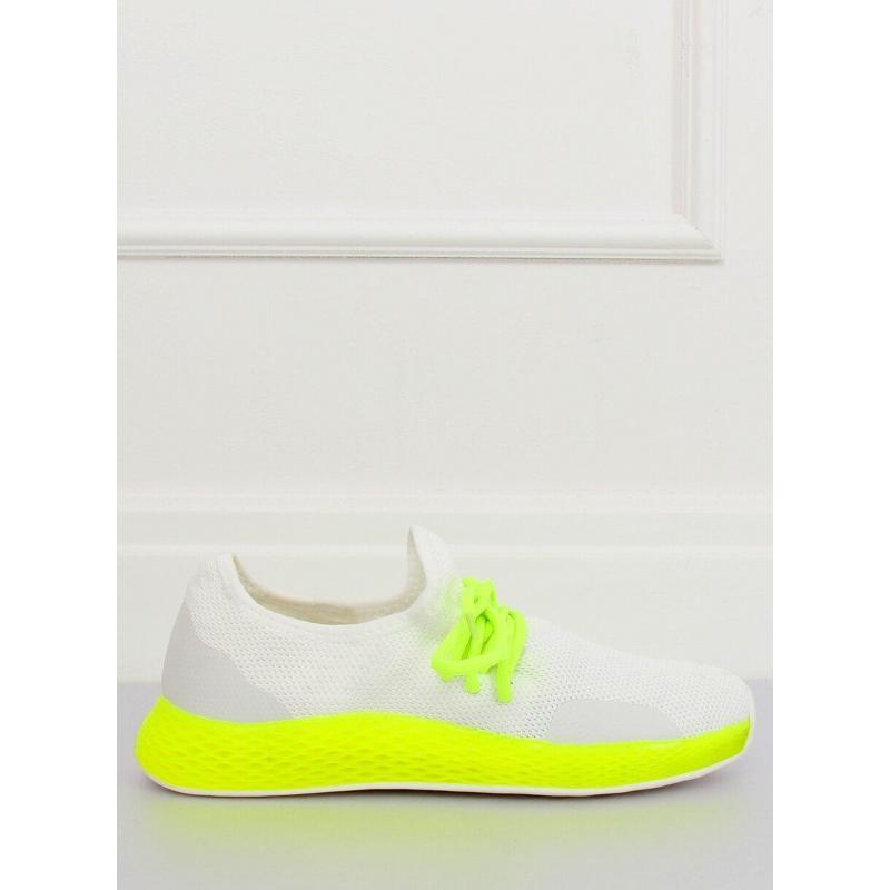 9a6ae23fbe1c6 Dámske štýlové tenisky so žltými prvkami v bielej farbe - skvelamoda.sk