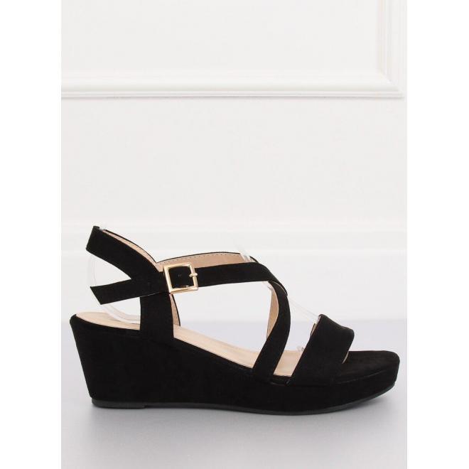 Semišové dámske sandále čiernej farby na nízkej platforme