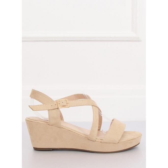 Béžové semišové sandále na nízkej platforme pre dámy