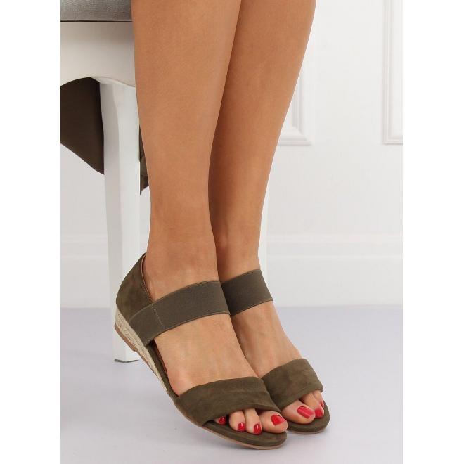Semišové dámske sandále zelenej farby s jemným vyvýšením