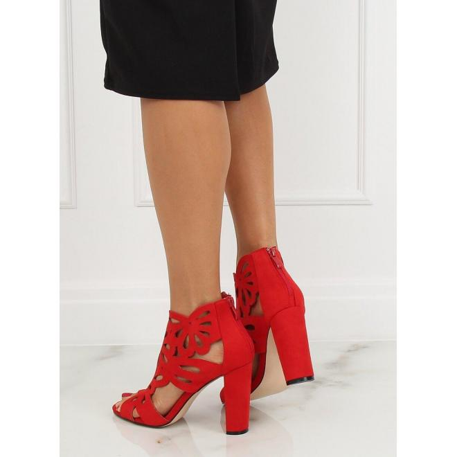 Červené ažúrové topánky na stabilnom podpätku pre dámy