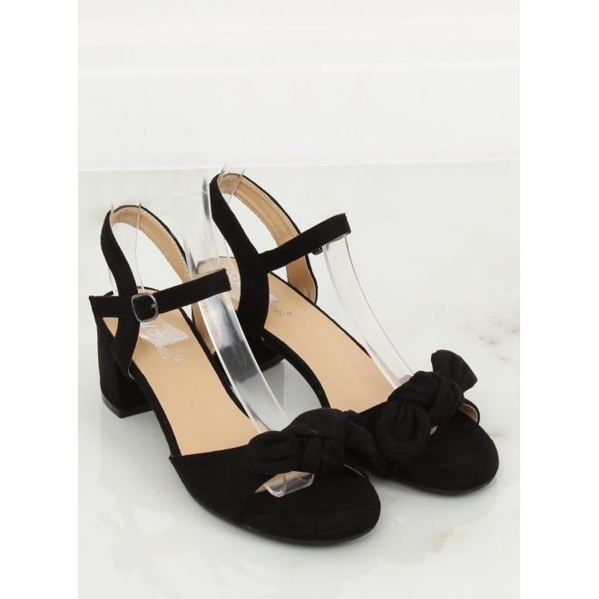 Čierne semišové sandále na stabilnom opätku pre dámy