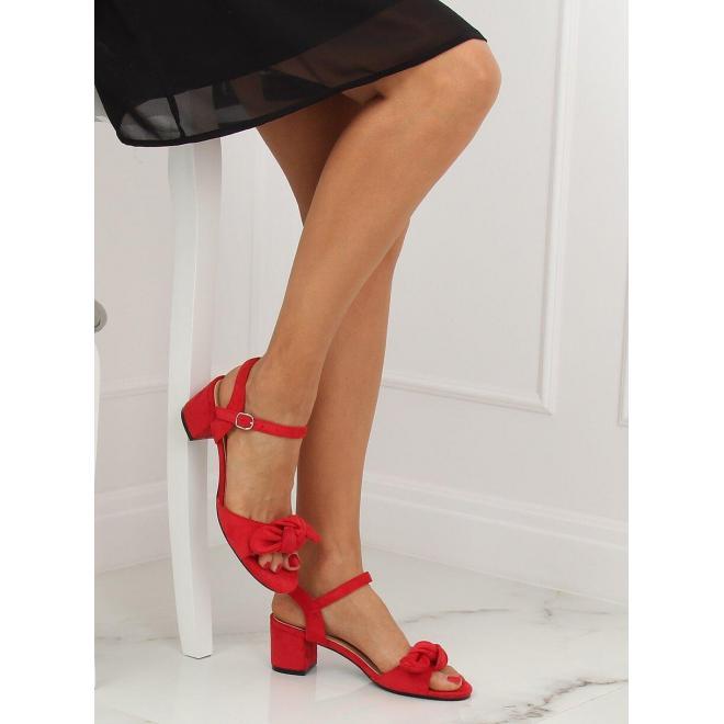 Červené semišové sandále na stabilnom opätku pre dámy
