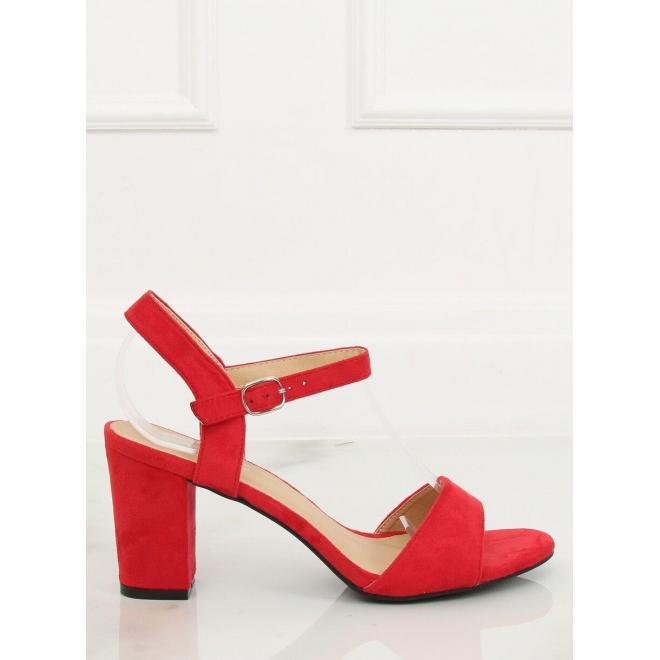 Dámske semišové sandále na podpätku v červenej farbe