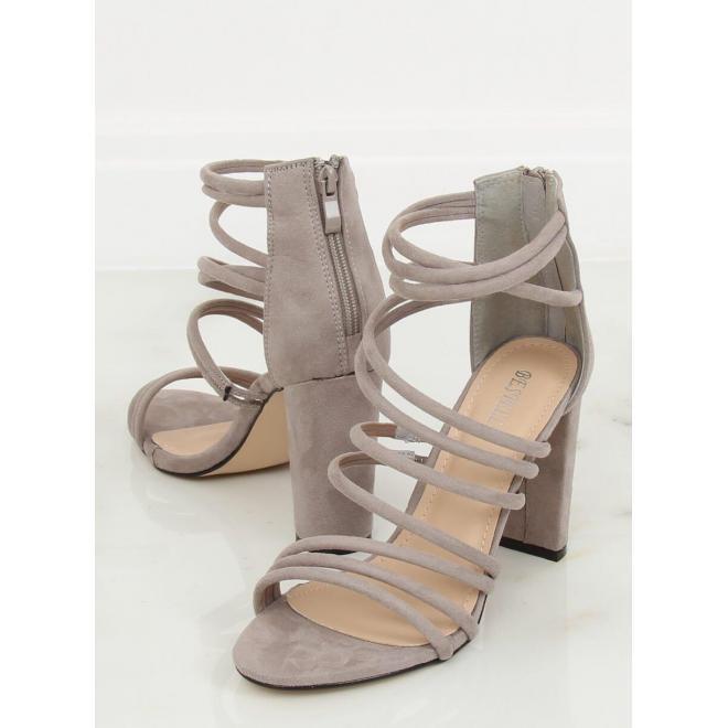 Semišové dámske sandále sivej farby na podpätku