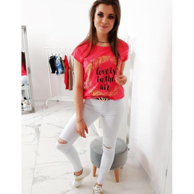 Módne dámske tričko malinovej farby s potlačou